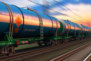 Госрегуляторная служба отменила действие приказа Мининфраструктуры об обязательном лицензировании ж/д перевозок опасных грузов
